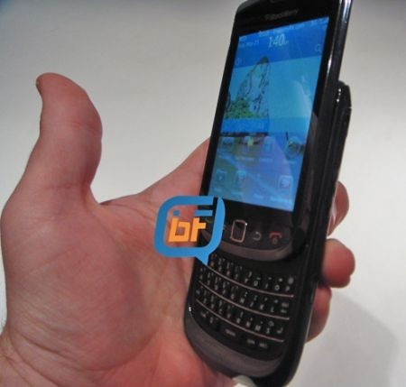 BlackBerry 9800 Slider: nuove foto e video
