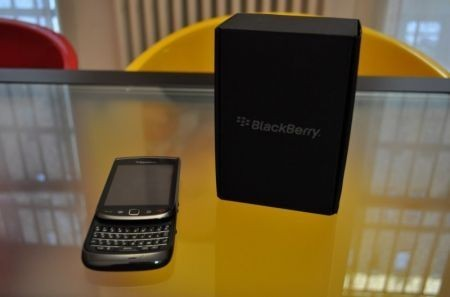BlackBerry Torch 9800: video preview nuovo smartphone RIM