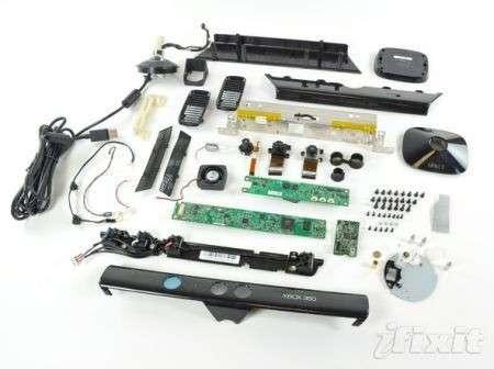 Kinect per Xbox 360 smontato pezzo per pezzo