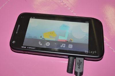 MeeGo: Smartphone e Tablet in foto dalla Russia