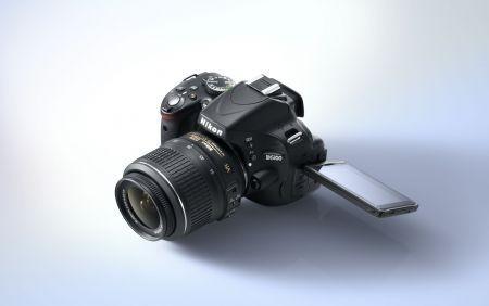 Nikon D5100: reflex digitale creativa con schermo ad angolazione variabile