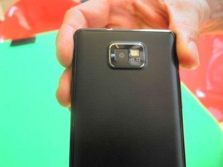 Samsung galaxy S2: retro e fotocamera