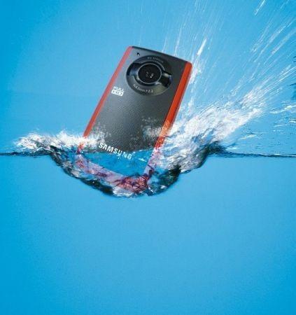 Samsung W200: videocamera subacquea, tascabile e resistente alla polvere