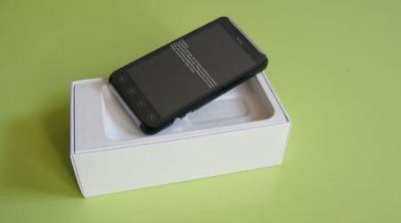 HTC Evo 3D nella confezione d'acquisto (4)