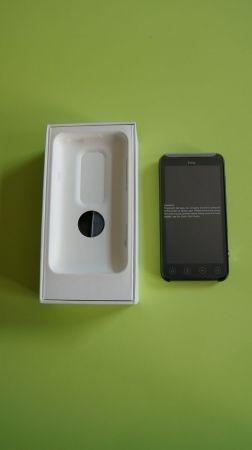 HTC Evo 3D e confezione d'acquisto
