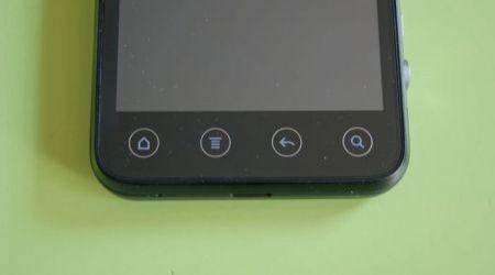 HTC Evo 3D: particolare pulsanti sfioramento (19