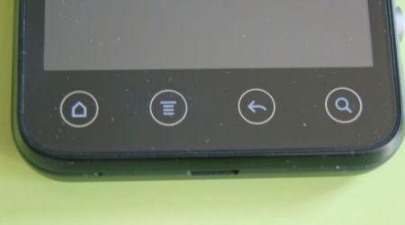 HTC Evo 3D: particolare pulsanti sfioramento