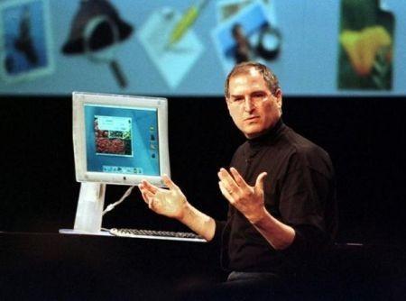 Steve Jobs durante presentazione