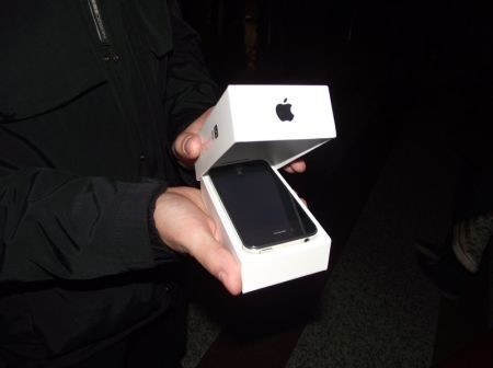 iPhone 4S, unboxing dal vivo