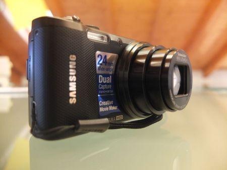 Samsung WB750 profilo laterale