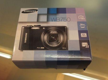 Samsung WB750, la confezione