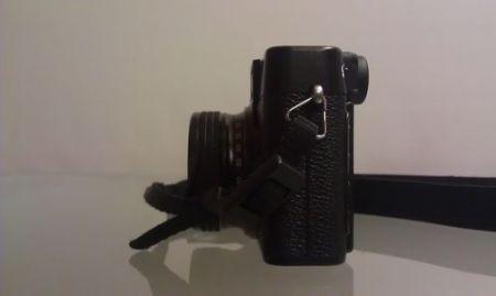 Fujifilm X10, vista laterale sinistra