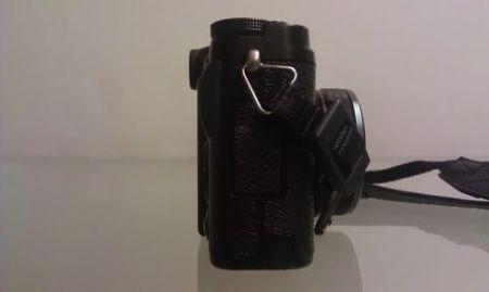 Fujifilm X10, vista laterale destra