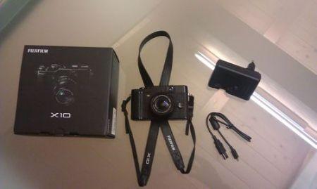 Fujifilm X10, il contenuto della confezione