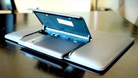 Asus PadFone in uscita a maggio in Italia, a 699 euro