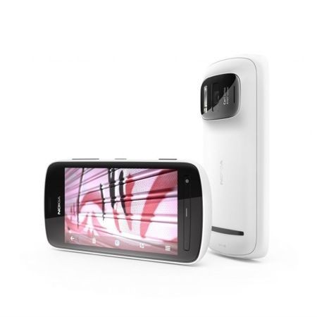 Nokia Lumia PureView, debutto forse a ottobre con Windows Phone 8