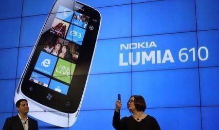 MWC 2012: Nokia Lumia 900 e 610, prezzi e date di uscita ufficiali [FOTO]
