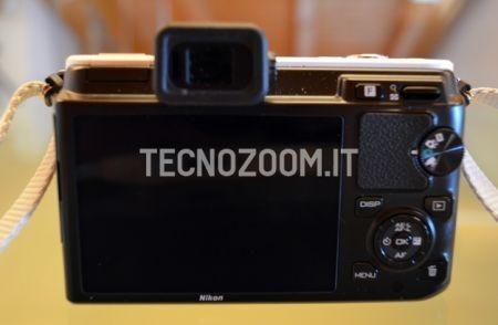 Nikon V1 vista sul retro