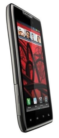 Motorola RAZR Maxx ufficialmente disponibile in Italia a 549 €