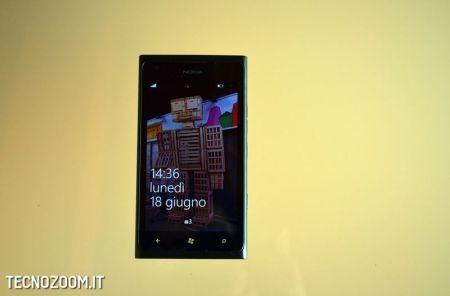 Nokia Lumia 900, schermata di sblocco