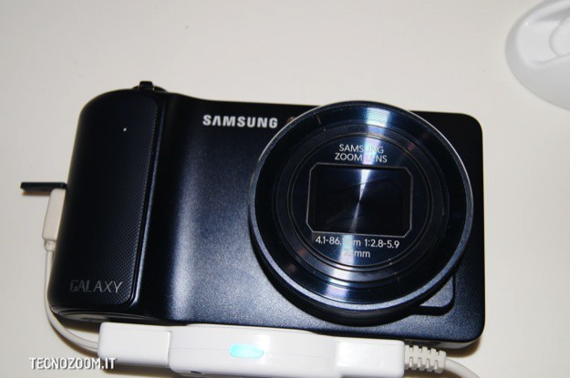 IFA 2012: Samsung Galaxy Camera, prime osservazioni [FOTO e VIDEO]