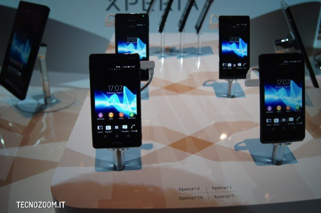 IFA 2012: Sony Xperia V, alte prestazioni e massima resistenza all&#8217;acqua [FOTO e VIDEO]