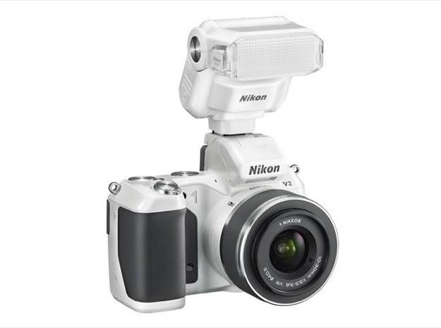 Nikon 1 V2 - Flash
