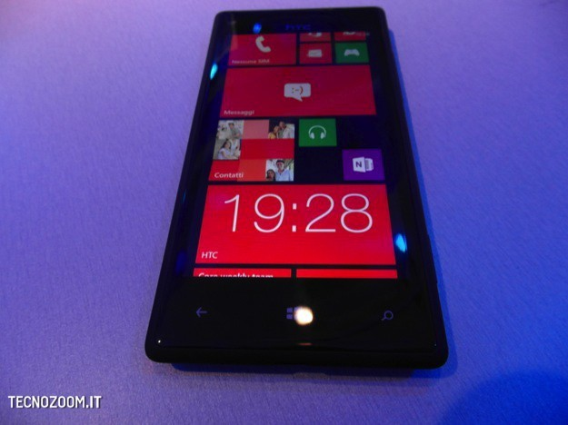 HTC 8X dal vivo - Fronte