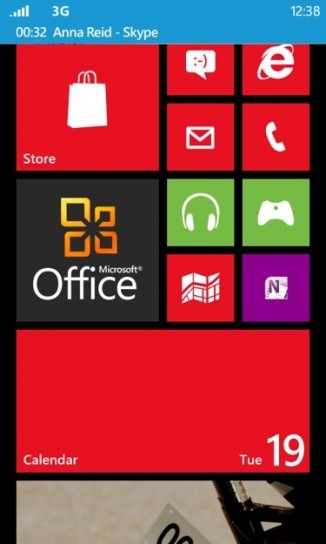 Windows Phone 8 - Foto ufficiali - Home rossa