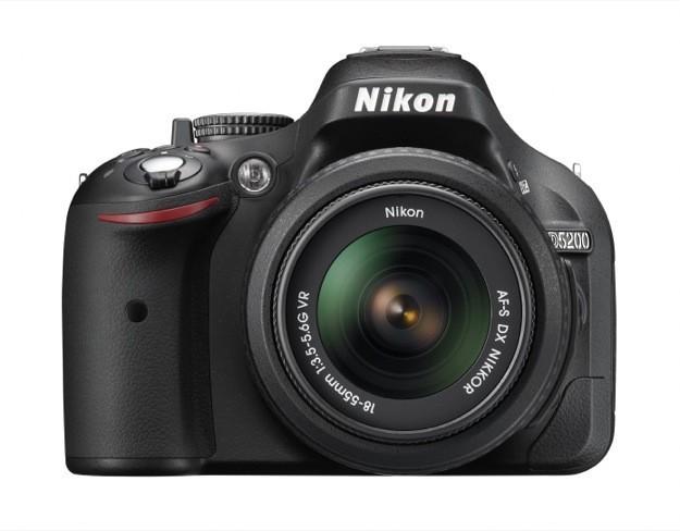 Nikon D5200 - Fronte