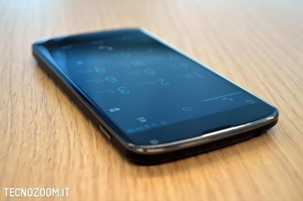 Google Nexus 4 recensione - Lato superiore