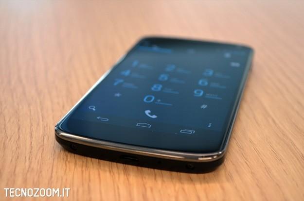 Google Nexus 4 recensione - Lato inferiore