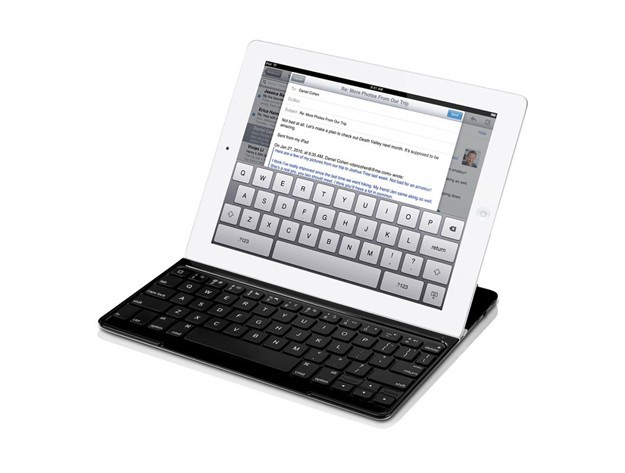 Logitech Ultrathin Keyboard Cover, a Natale l&#8217;iPad diventa un vero laptop [FOTO]