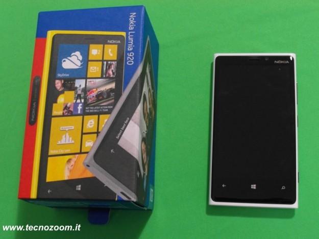 Nokia Lumia 920 confezione