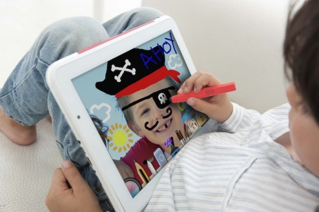 Clementoni ClemPad: tablet Android educativo per Natale 2012 [FOTO]