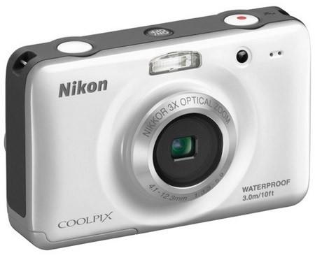Nikon Coolpix S30 bianca