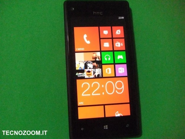 HTC 8X home