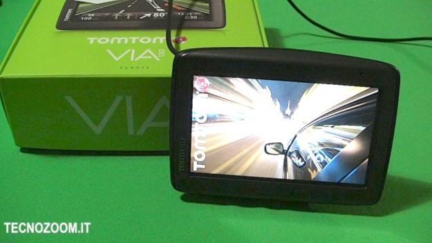 TomTom VIA 130: recensione del GPS stile KITT supercar [FOTO]