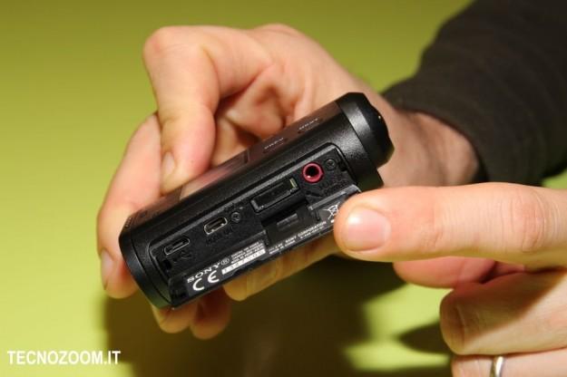 Sony AS15 vano inferiore