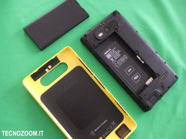 Nokia Lumia 820 componenti