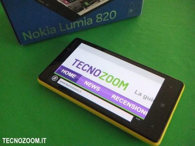 Nokia Lumia 820 confezione