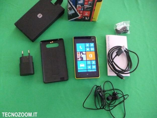 Nokia Lumia 820 contenuto confezione acquisto