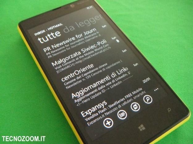 Nokia Lumia 820 email