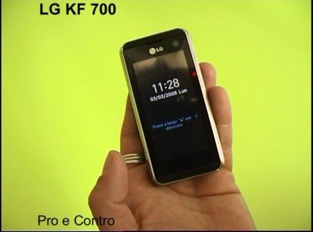 LG KF700 pro e contro