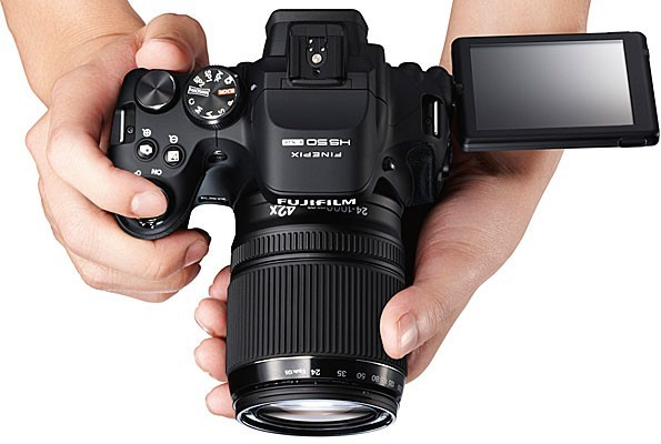 Fujifilm HS50