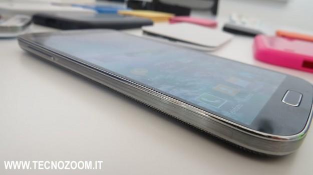 lato sinistro di Samsung Galaxy S4