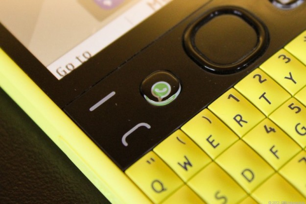 Nokia Asha 210 tastiera completa QWERTY