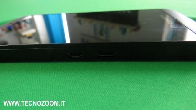 Blackberry Z10 lato sinistro