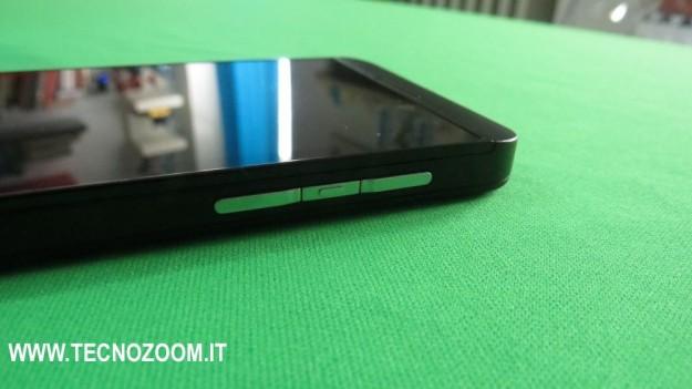 Blackberry Z10 pulsanti lato sinistro