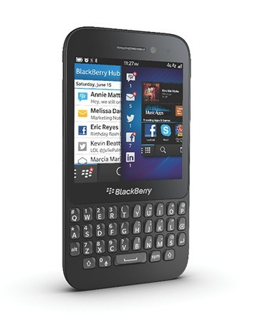 Blackberry Q5: QWERTY e basso prezzo [FOTO]